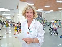 Heilpraktikerin Regina Fischer in der Universitätsklinik Chengdu China